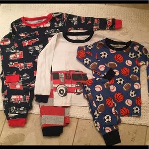 Bundle of 3 pairs of boys pajamas